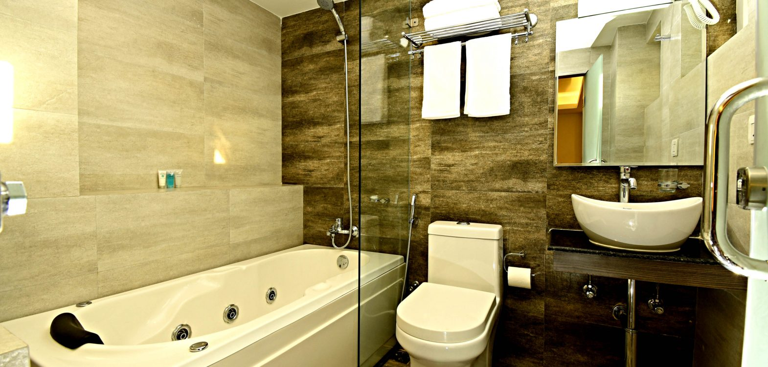 Deluxe Suite Room en suite Bathroom